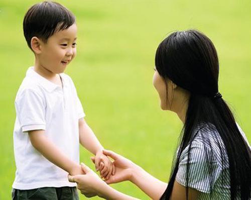 """5 """"câu thần chú"""" giúp trẻ ngoan ngoãn nghe lời"""